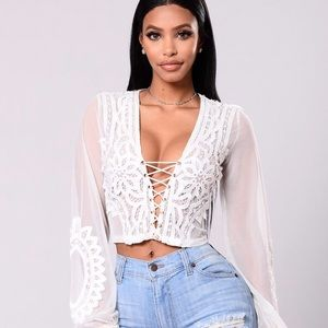 NWT white long sleeve lace crop top